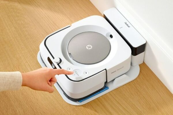 iRobot Braava Jet M6 Review: Mopping Robot With Technical Finesse